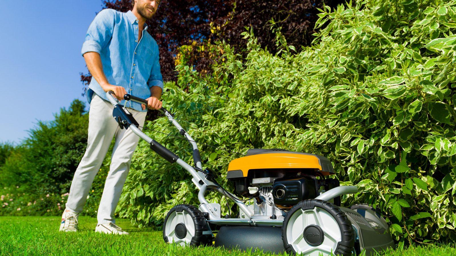 5 trinn til sommerklar gressklipper med motor