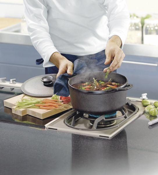 One-pot-cooking: En støpejernsgryte er perfekt når du skal brune kjøtt før du tilsetter resten av ingrediensene til gryteretter eller supper. Egner seg også godt til grytebrød.
