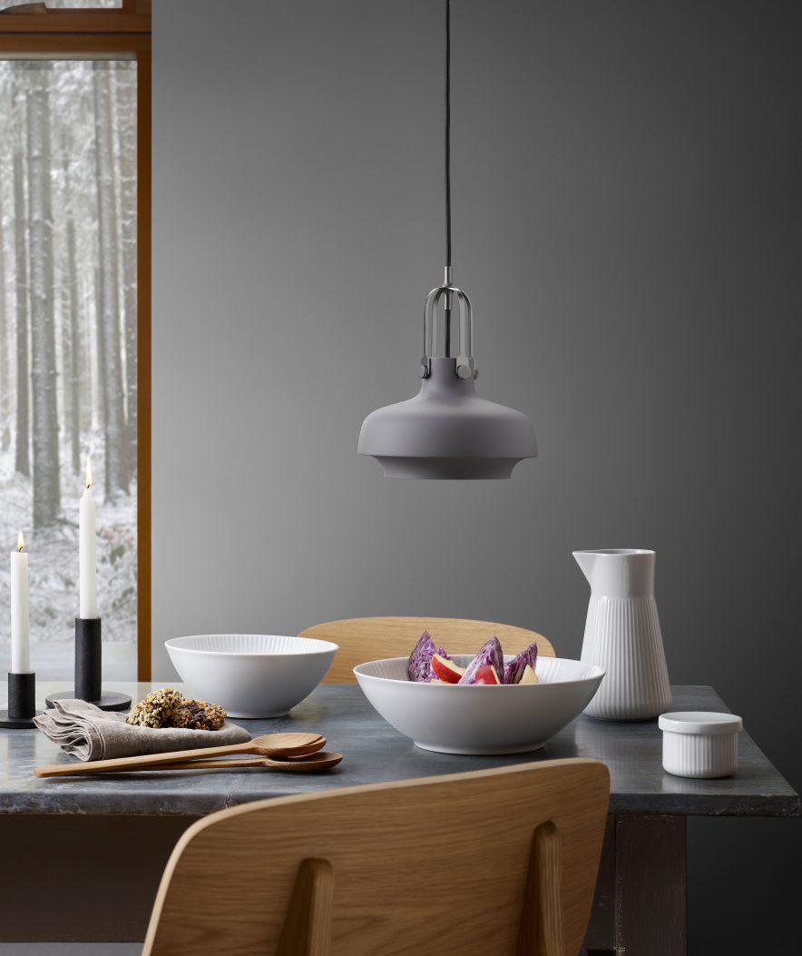 SLITESTERK LUKSUS: Hvorfor la det fine serviser stå i vitrineskapet, når det finnes vakkert design som også kombinerer solid kvalitet. Porselenet har i tillegg 10 års garanti.