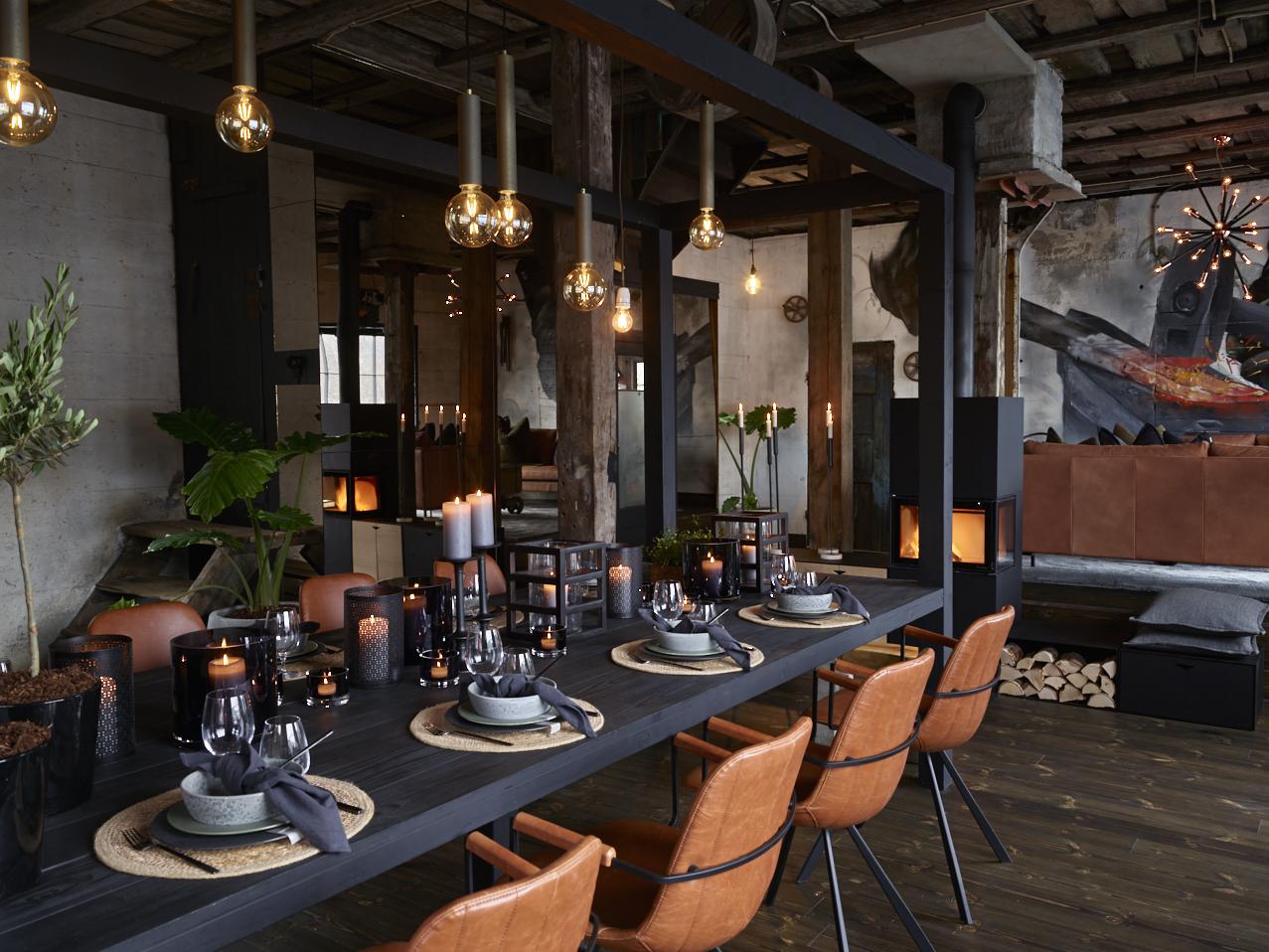 Lekkert dekket bord med serivse fra Bitz og glass fra Luigi Bormioli