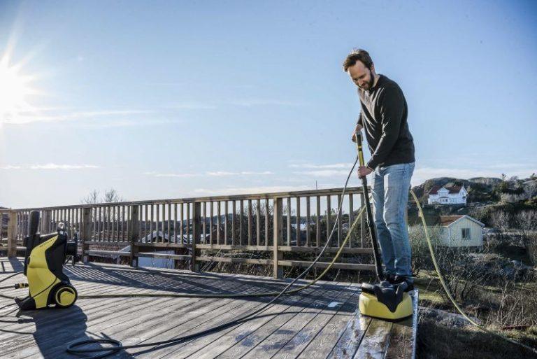 Vask bilen, huset og terrassen med høytrykkspyler