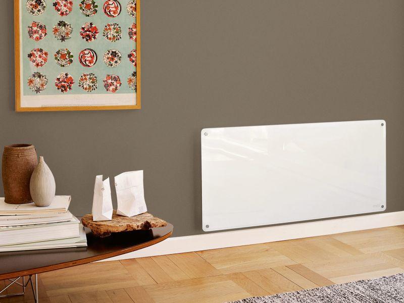 PANELOVN: De nyeste panelovnene skal være brannsikre, men pass på at de ikke blir tildekket av klær eller andre brennbare materialer.