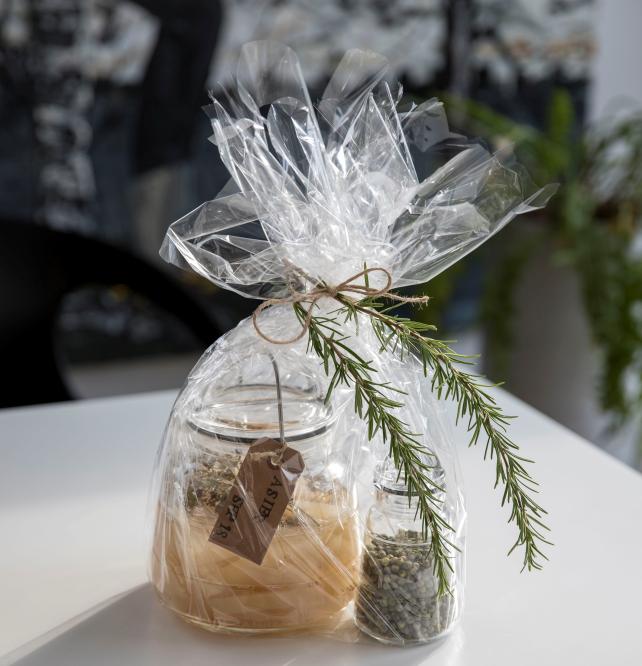 Gi en gave du har lagt tid og kjærlighet i. Scala oppbevaringsglass er perfekt for DIY gaver.