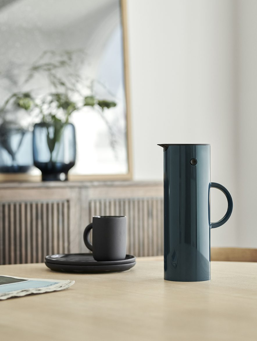 Stelton kaffekanne, et designikon, i ny og stilig farge