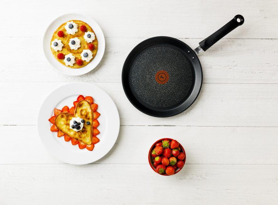 Gjør tilberedning av pannekaker og omeletter enklere med en pannekakepanne med godt non-stick belegg.